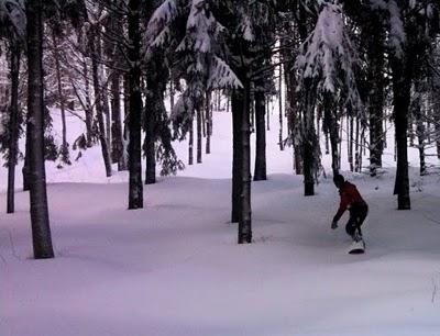 Snowboarding Greek Peak NY.