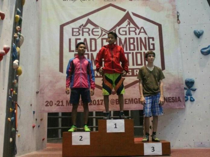 Isam saat meraih juara 1 dalam Bremgra Lead Climbing Competition 2017