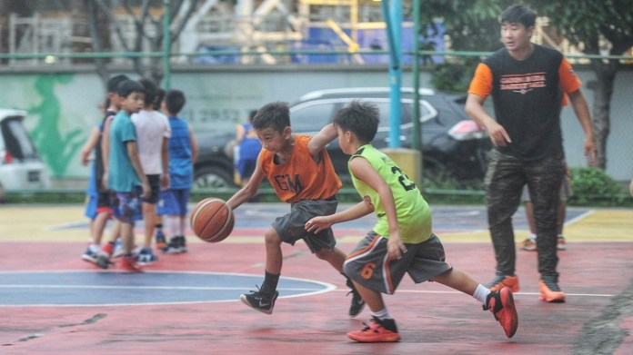 Klub Gading Muda U-12 sedang berlatih jelang Turnamen Perbasi Pengkot Jakarta Barat. (Prast/NYSN.com)