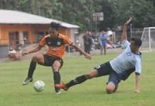Villa 2000 (oren) saat melakukan uji coba menghadapi tim Porpov Banteng di Pamulang Selatan. (Pras/NYSN)