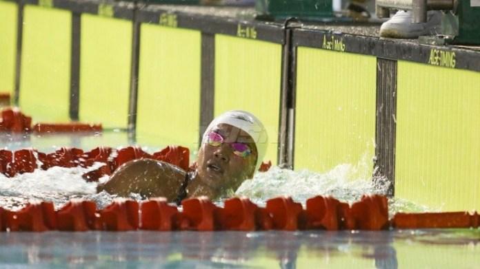 Atlet Jawa Timur, Adinda Larasati Dewi, memecahkan Rekor nasional nomor 400 Meter Gaya Bebas Putri, pada hari pertama Festival Akuatik Indonesia 2018. (istimewa)