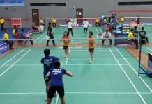 Duet ganda putri Pinicha Anjani/Vici Husnia Zahwa (biru) membuat kejutan mengalahkan duet unggulan empat asal Taiwan Lai Chung Huei/Lai Tzu Yu, 21-19, 21-18. (Adt/NYSN)