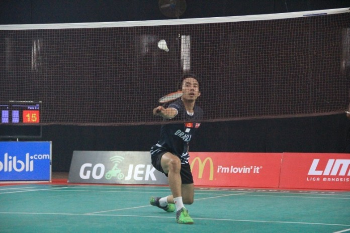 Tim Putra Universitas Brawijaya (UB) kembali mendulang kemenangan di dua partai yang dilewati pada laga hari kedua LIMA Badminton EJC Malang, Senin (2/4). (LIMA)
