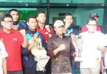 Aji Maulana dkk diminta tetap menjaga kekompakan hingga ke Asian Games 2018 usai juara di turnamen bola voli internasional Lienvietpostbank di Vietnam, Kamis (31/5) malam. (Adt/NYSN)