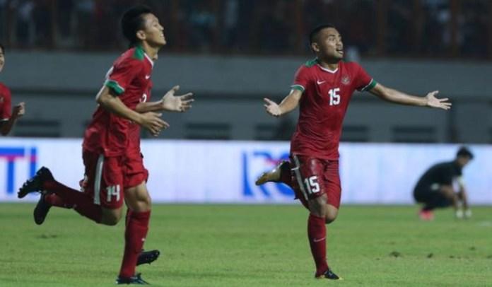 Saddil Ramdani (15) mencetak dua dari empat gol kemenangan Timnas U-19 atas Filipina U-19 dalam lanjutan AFF U-18 Championship, di Stadion Gelora Delta, Sidoarjo, Jawa Timur, Kamis (5/7). (liputan6.com)