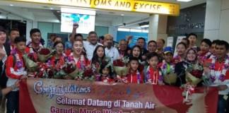 Tim wushu Indonesia telah tiba di Jakarta, usai bertanding dari kejuaraan dunia junior Brasil dan mampu meraih dua emas, 10 perak dan tujuh perunggu. (Antaranews)