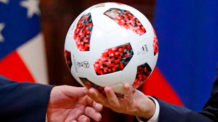 Undian ulang cabor sepak bola Asian Games 2018 diwacanakan usai Uni Emirat Arab dan Palestina memprotes tak masuk dalam drawing awal, yang digelar pada 5 Juli lalu, di Kantor Pusat INASGOC di Jakarta. (malaymail.com)