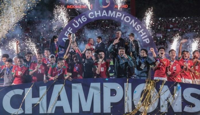 Timnas U-16 mengawinkan gelar juara Piala AFF U-16 2018, dengan gelar pencetak gol terbanyak (top skorer) melalui Amiruddin Bagus Kahfi Al-Fikri, dengan torehan 12 gol. (istimewa)