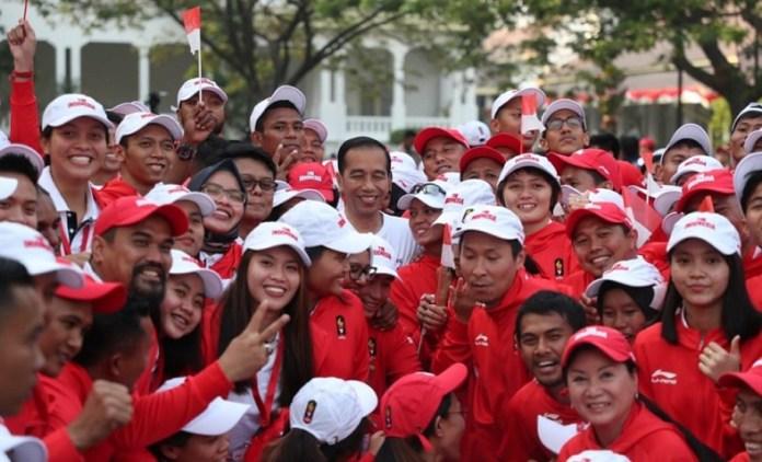 Presiden Joko Widodo secara resmi melepas kontingen Indonesia untuk Asian Games XVII/2018, di Istana Negara, Jakarta, Rabu (8/8). (Kemenpora)