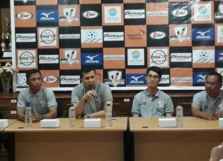 CEO Villa 2000 Asher Imaret Siregar (ketiga dari kiri), saat melepas tim Villa 2000 U-12 yang akan tampil di Turnamen Gothia Cup U-12, pada 12-18 Desember 2018, di Qingdao, China. (Dre/NYSN)