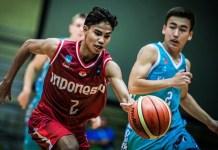 Yesaya Alessandro Michael (7) tampil impresif saat mencetak 26 poin, 10 rebounds, 4 steal, dan 2 assist melawan Kazakhstan U-18 di penyisihan grup A, FIBA U-18 Asian Championship 2018, di Bangkok, Thailand, Selasa (7/8). (fiba.basketball)