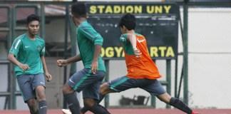 Timnas U-19 melakukan persiapan jelang Piala Asia U-19 2018, dengan melakukan uji coba dalam format mini turnamen memakai sistem trofeo, melawan Timnas U-19 China dan Thailand U-19, mulai 21 September, di Stadion Pakansari, Bogor. (kampiun.id)