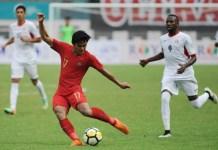 Full bek kiri Timnas U-19 asal PSMS Medan, Firza Andika (17), sukses menjadi aktor kemenangan, dengan mencetak dua dari tiga gol kemenangan, saat menggulung Yordania U-19 3-2, pada Sabtu (13/10) di Stadion Wibawa Mukti, Cikarang. (Pras/NYSN)