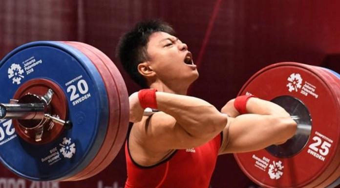 Atlet angkat besi asal Sulawesi Selatan (Sulsel), Rahmat Erwin Abdullah, yang masih berusia 17 tahun, gagal menyumbang medali pada Asian Games 2018. Pemuda kelahiran 13 Oktober 2000 itu, kini berangkat ke Kejuaraan Dunia Angkat Besi 2018 di Ashgabat, Turkmenistan, 1-10 November. (Antaranews.com)