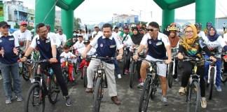 Sepeda Nusantara 2018 etape Manakarra, Mamuju, Sulawesi Barat, yang dilepas Irwan Satya Pababari (Wakil Bupati Mamuju), diharapkan bisa mencetak generasi emas olahraga di Kota Mamuju. (istimewa)