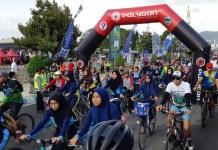 Program unggulan Kementerian Pemuda dan Olahraga (Kemenpora), Sepeda Nusantara 2018, di bawah Imam Nahrawi (Menteri Pemuda dan Olahraga), pada Minggu (28/10), singgah di Kota Pacitan, perbatasan Provinsi Jawa Timur (Jatim), dan Jawa Tengah (Jateng). (Kemenpora)