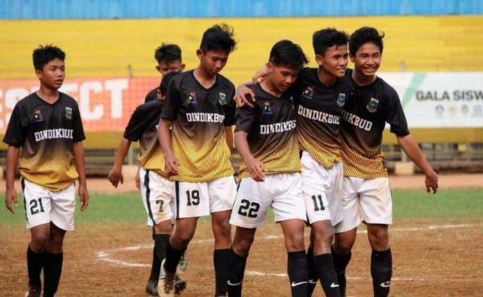 Tim Gala Siswa Indonesia (GSI) Banten yang diwakili tim SMP di kawasan Tangerang Selatan (Tangsel), menuju juara GSI 2018 tingkat Nasional, yang akan menghadapi tim GSI Jawa Timur, pada Sabtu (20/10) di Stadion Madya, Senayan, Jakarta. (Metrotangsel.com)