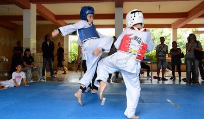 Pengurus Besar Taekwondo Indonesia (PBTI) menggelar Kejuaraan Nasional (Kejurnas) Taekwondo Junior 2018, di GOR POPKI Cibubur, Jakarta Timur, 14-16 Desember, dan diikuti 34 Propinsi, dengan mempertandingkan dua kategori, yakni Kyorugi dan Poomsae. (PBTI)