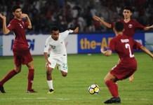 Komite Kompetisi AFC merekomendasikan mengubah format Piala Asia U-16 dan U-19, menjadi Piala Asia U-17 dan U-20, mulai 2023. Hal ini mengacu kepada kategori usia FIFA dan gelaran Piala Dunia kelompok umur yang ada. Tammpak winger timnas Indonesia U-19, Todd Rivaldo Fere (22/putih), saat tampil di ajang Piala Asia U-19 2018, di Jakarta. (Pras/NYSN)
