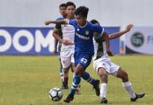 Persib Bandung U-16 mengalahkan Bali United U-16 pada laga final Elite Pro Academy 2018, di Stadion Bumi Sriwijaya, Palembang, pada Minggu (9/12) lewat adu penalti dengan skor 4-3. Amanar Abdillah (63) menjadi salah satu skuat Maung Ngora yang akan berangkat ke Inggris, bersama dua pemain lainnya. (Persib.co.id)