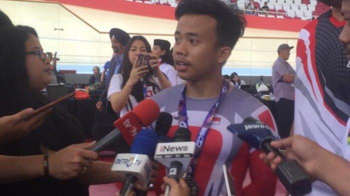 Pebalap sepeda kelahiran Lumajang, 15 Agustus 2001, Angga Dwi Wahyu Prahesta, meraih perak dari nomor omnium junior putra, di hari terakhir Asian Track Championships (ATC) 2019, pada Minggu (13/1). Perak dari nomor omnium, jadi medali ketiga bagi atlet binaan Pusat Pendidikan dan Pelatihan Pelajar (PPLP) Jawa Timur ini. (Tribunnews.com)