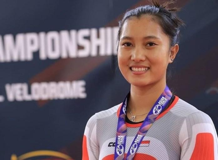 Pebalap sepeda putri Indonesia berusia 20 tahun, Crismonita Dwi Putri, lolos ke kejuaraan dunia trek yang berlangsung di Hong Kong, 25-27 Januari. Event ini menjadi ajang menambah poin agar lolos Olimpiade 2020 Tokyo, Jepang. (instagram)
