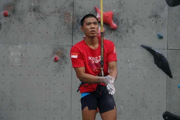 Atlet panjat tebing Rivaldi Ode R (Bali) menjadi salah satu atlet yang disiapkan untuk memperebutkan tiket Olimpiade 2020. (FPTI)
