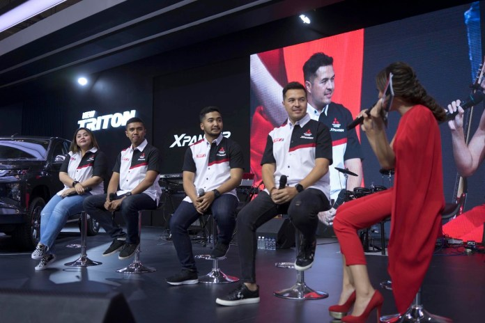 (Dari kiri ke kanan) Intan Vidiasari, Deputy General Manager Coordination and Development PT Mitsubishi Motors Krama Yudha Sales Indonesia (MMKSI), Julian Johan, Manager XPANDER Rally Team, M. Redwan, Navigator XPANDER Rally Team dan Rifat Sungkar, pereli XPANDER Rally Team pada Peluncuran XPANDER Rally Team (XRT) hari Minggu (21/7) di pameran otomotif GAIKINDO Indonesia International Auto Show (GIIAS) yang digelar di ICE BSD, Tangerang, Banten