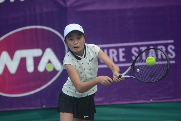 Petenis asal Bandung, Joanne Lynn Hartono berhasil melangkah ke semi final KU-14 tahun turnamen kualifikasi WTA Future Stars Indonesia 2019.