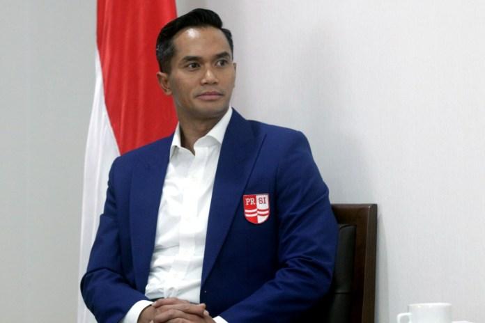 Anindya Bakrie mengakui membutuhkan peran KONI, untuk membangun prestasi akuatik Indonesia.