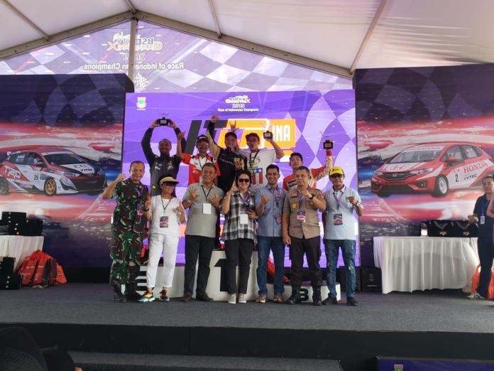 Pebalap Rizal Sungkar, berhasil keluar sebagai juara di tiga kelas berbeda dalam ajang BSD City Grand Prix 2019 yang digelar di BSD, Tangerang pada akhir pekan kemarin.