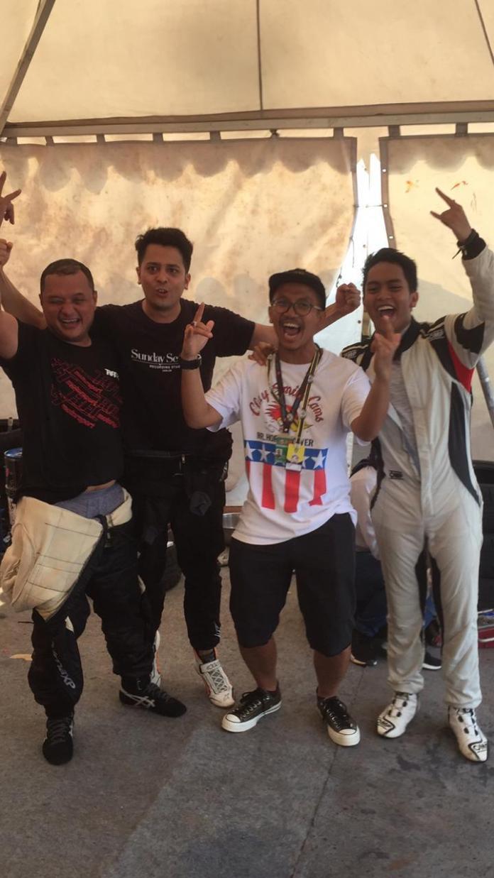 (kiri ke kanan) Rizal Sungkar, bersama pebalap Banteng Motorsport, Catra Chrisandi Felder, Bimo Pradikto, Zharfan Rahmadi setelah mengikuti BSD City Grand Prix 2019 akhir pekan kemarin.