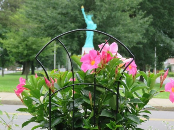 liberty_from_swan_fountain_29_june_2017