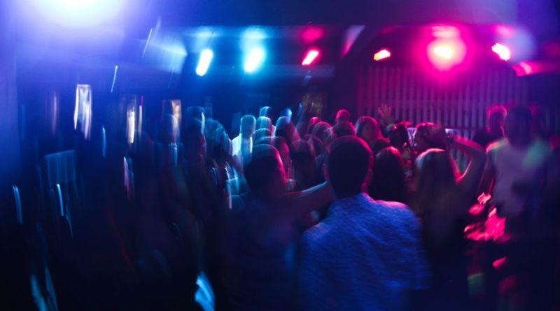 Fra Arkivet: Det har aldrig ikke været sjovt på Absinthe