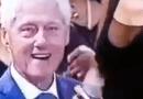 Derfor skal du finde en mand, der ser på dig som Bill Clinton gør her