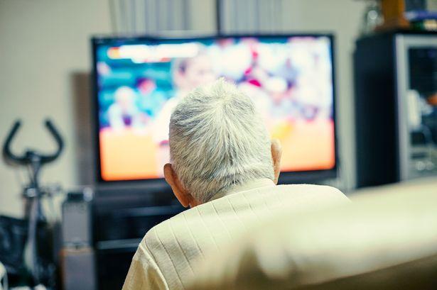 A nyugdíjasoknak jövőre nem kell koncessziós díjat fizetni
