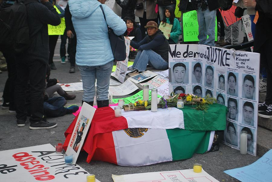 Protesters++rally+for+Mexican+students