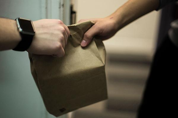 There are many food delivery services available which can help NYU students who are looking for an alternative to dining hall foods.