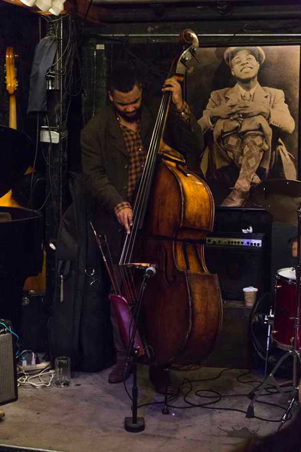 A jazz show performing in Greenwich Village. One of the many winter activities favored by NYU students.  (Photo by Hannah Shulman)