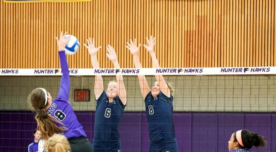 The+NYU+women%E2%80%99s+volleyball+team+brought+home+another+win+this+past+weekend+at+Baruch+College%2C+bumping+their+season+up+to+a+high+streak.