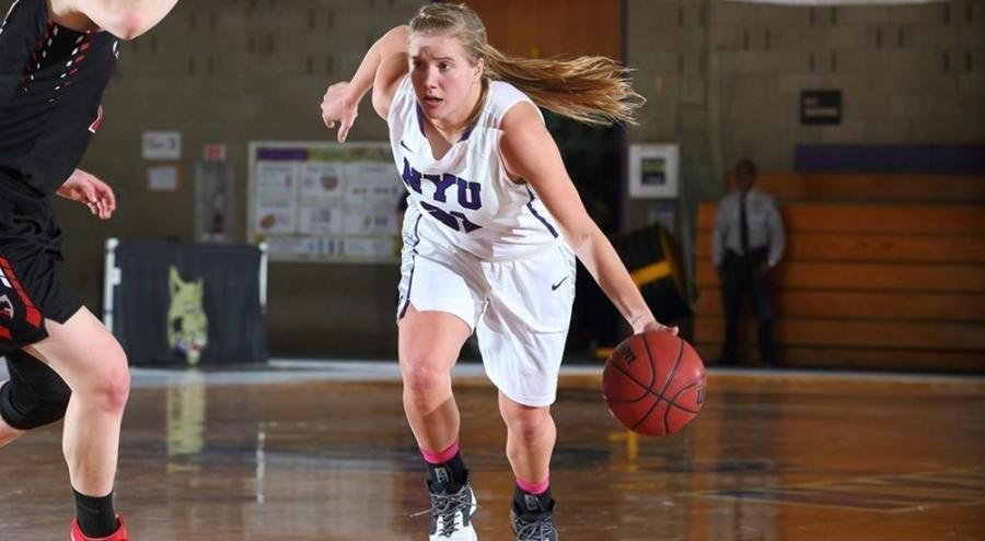 Kaitlyn Read scored 15 of NYU's 60 points in the first game of the season.