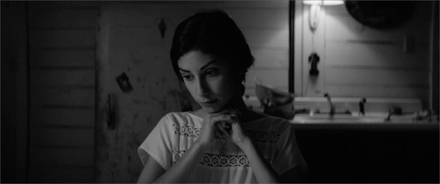 Directed+by+NYU+alum+Nicolas+Pesce%2C+Black-and-white+horror+film+%22The+Eyes+of+My+Mother%22+frightens+its+audiences+through+the+Francisca%27s+haunting+story.