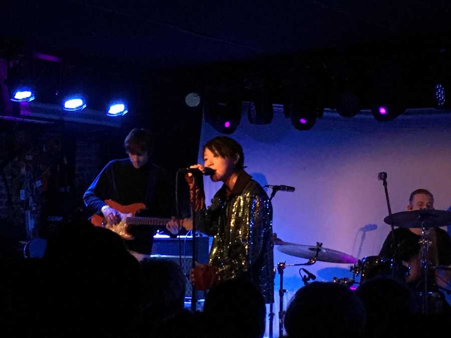 Leah Dou played a passionate set at Mercury Lounge, on Friday.