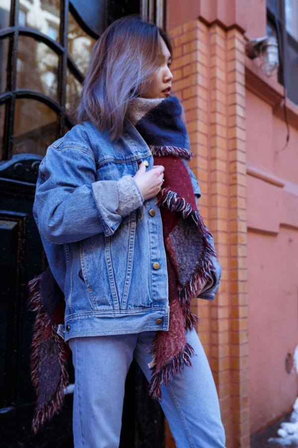 Although denim has found its way to be a part of everyone's closet, popular brand Levi's recently found itself the subject of an SNL skit.