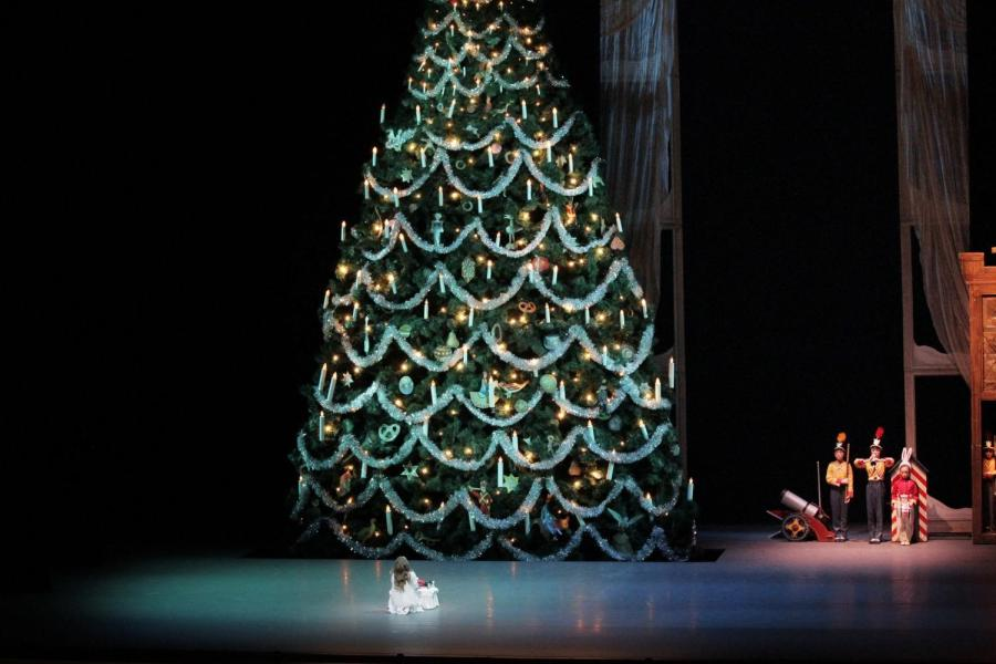 """The 40-foot tree stands in George Balanchine's """"The Nutcracker"""" is one of the focal set pieces in the performance."""
