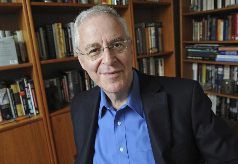 """Ron Chernow, author of Alexander Hamilton"""" and """"Washington: A Life among other bestsellers, talked to Chris Hayes in a book talk hosted by the PEN World Voices Festival on 22 Apr. 2018 at the Cooper Union."""