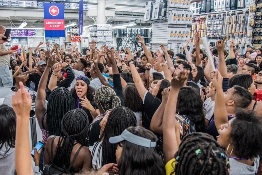 """""""Bodak Yellow"""" gets a group of first-years dancing at Bed, Bath and Beyond After Dark in 2018, an annual Welcome Week event. (Photo by Sam Klein)"""