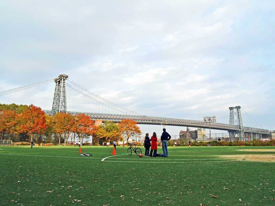 The East River State Park is planned to be torn down and rebuilt starting in 2020. (via Brooklyn Magazine)