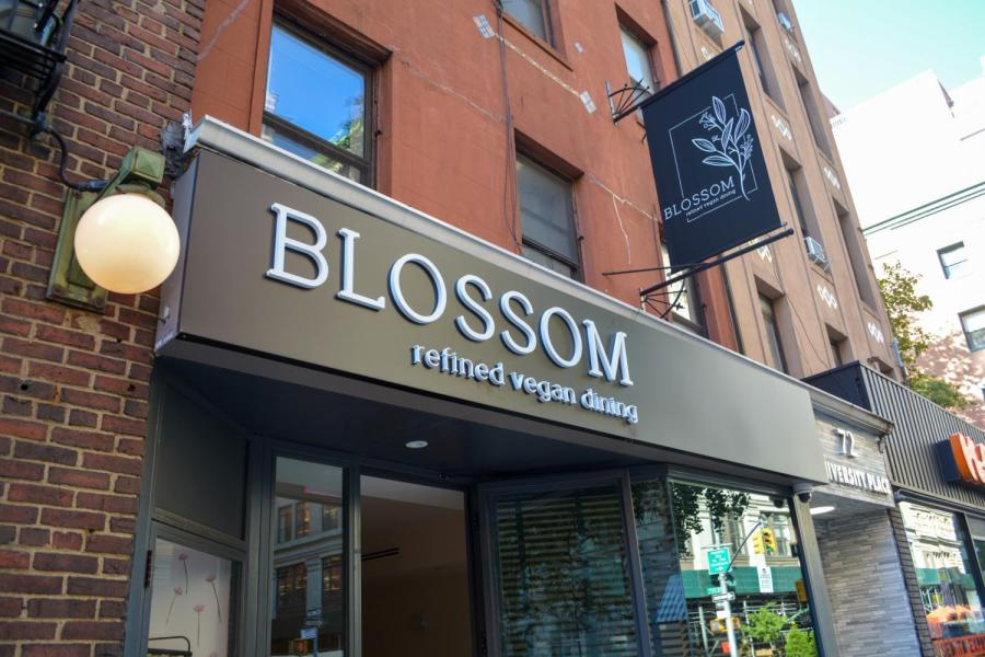 Blossom+is+a+vegan+restaurant+previously+located+in+Chelsea%2C+NYC.+Blossom+recently+relocated+to+72+University+Pl.+in+Greenwich+Village.+%28Staff+Photo+by+Manasa+Gudavlli%29
