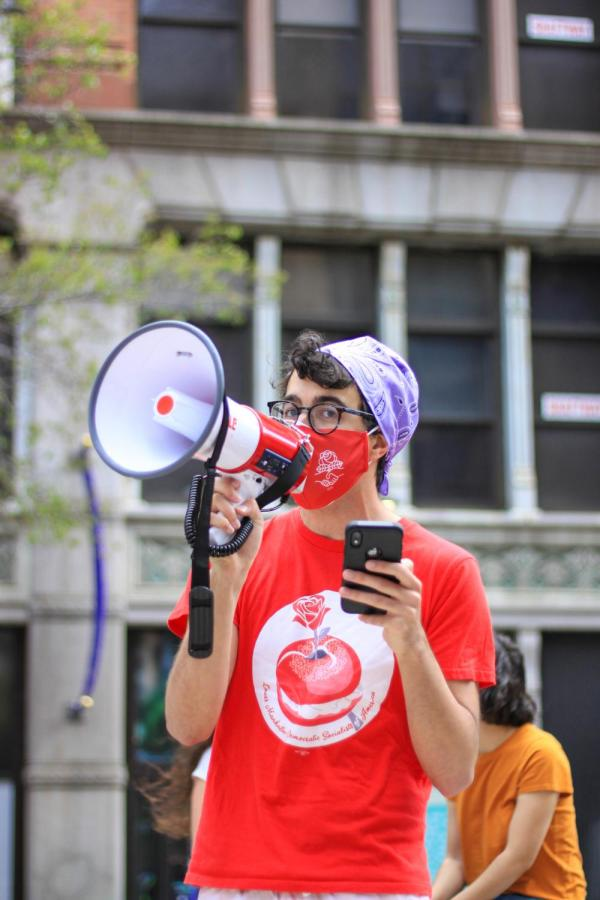 YDSA member announces an undergraduate tuition strike.